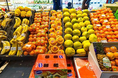 进口超市年货采购水果图片