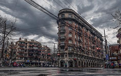 乌云下的武康大楼图片