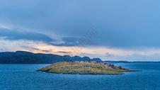 海上的小岛图片