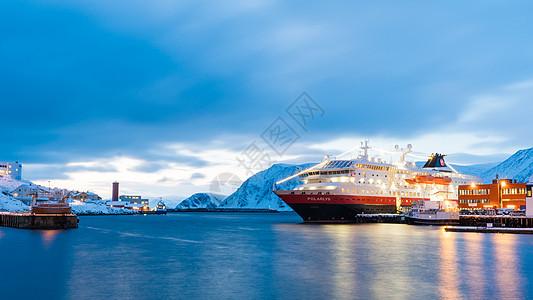 北欧邮轮停靠码头图片