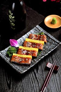 鳗鱼寿司图片