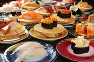 日本寿司拼盘图片