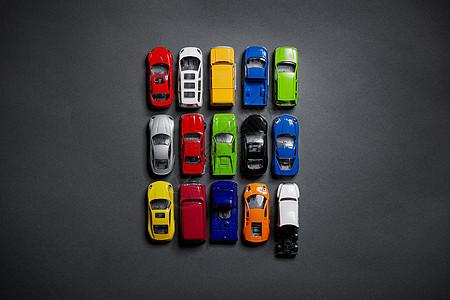 排列整齐的汽车元素图片
