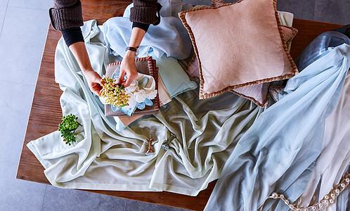 家居美学布料花艺桌面整理图片