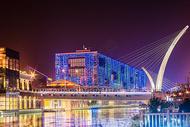 武汉城市夜景楚河汉街图片