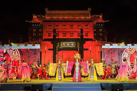 西安城墙新春灯会表演图片