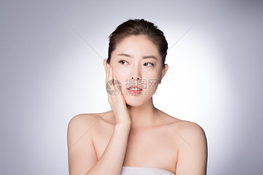 年老女性牙疼图片