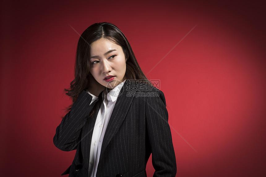 干练的职业女性图片
