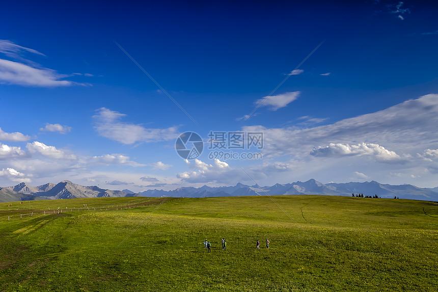 新疆喀拉俊草原美图图片