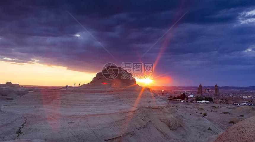 新疆魔鬼城新疆乌尔禾风城图片
