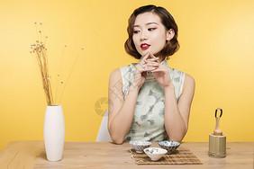 民国风美女与茶艺图片