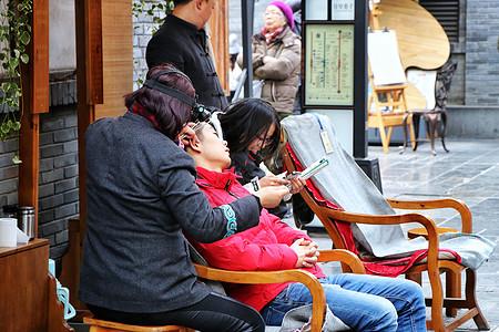 宽窄巷子人物抓拍图片