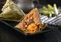 端午节蛋黄粽摄影图片