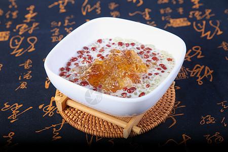 椰汁桃胶红豆西米露 大暑图片