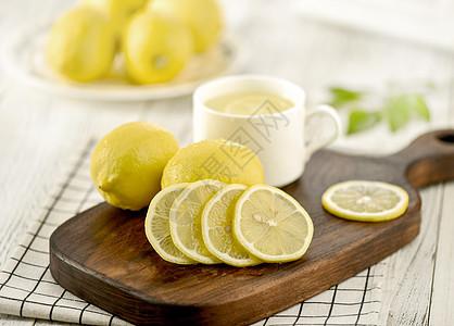 切片的新鲜柠檬图片