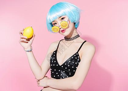 全身美女图片医生柠檬被美女v全身图片