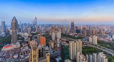 高楼林立的上海日落风光图片