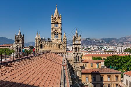 意大利巴洛克风格宏伟的大教堂图片