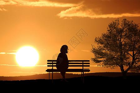 夕阳老人图片