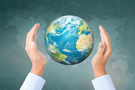 手捧着地球图片