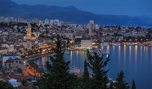 克罗地亚海滨城市夜景风光图片