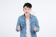 烦恼的青年男性情绪图片