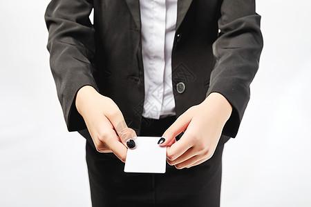 商务女性递名片动作图片