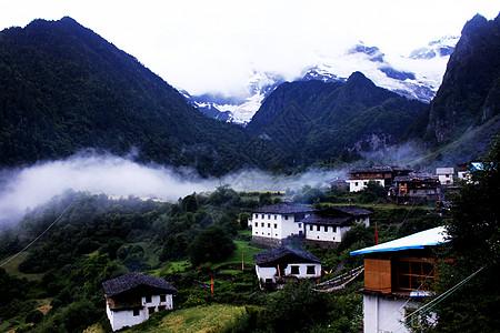 云南雨崩村图片