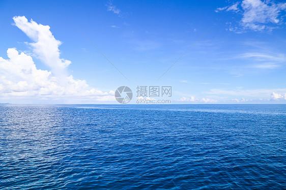 辽阔无际的大海图片