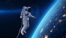 漂浮的宇航员图片