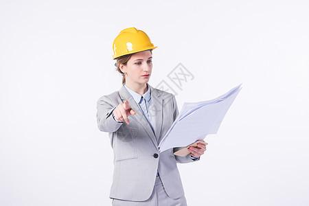 外国商务工人女性检查工作图片