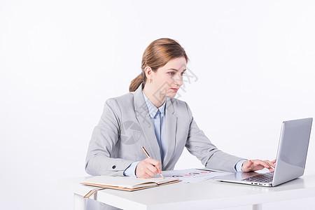外国女性商务办公记录图片