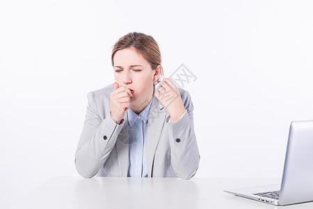 外国女性生病咳嗽图片