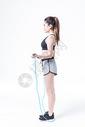 女性运动健身跳绳图片