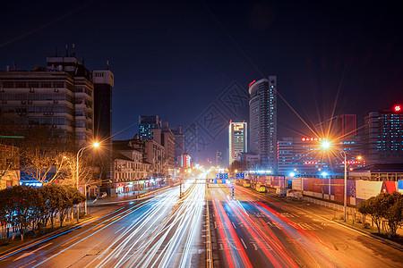 立交桥看城市车轨图片