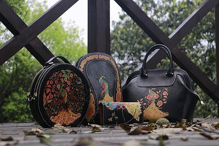 手工雕刻皮革艺术图片