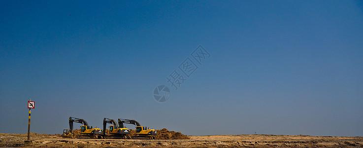 柬埔寨挖掘机施工现场图片
