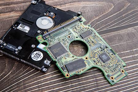 电脑存储机械硬盘构造图片