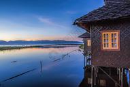 茵莱湖水上木屋图片