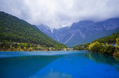 丽江玉龙雪山蓝月谷景区图片