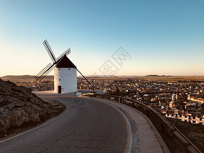 西班牙风车小镇图片