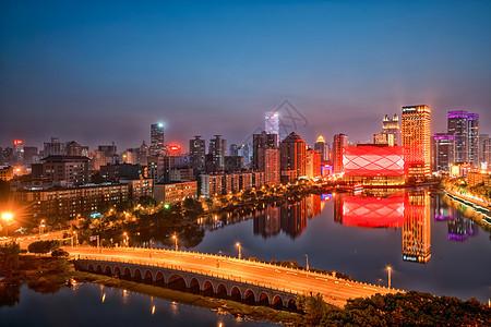 武汉楚河万达瑞华酒店夜景图片