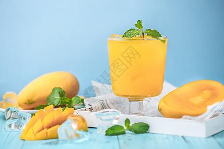 清爽夏日鲜榨芒果汁图片