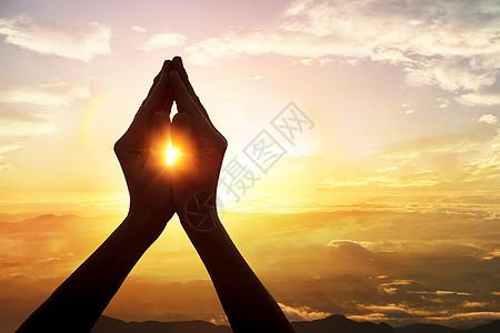 祈祷手势图片
