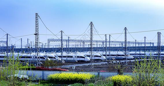 列车高铁站图片