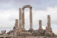 约旦安曼城堡山上的古罗马遗址图片
