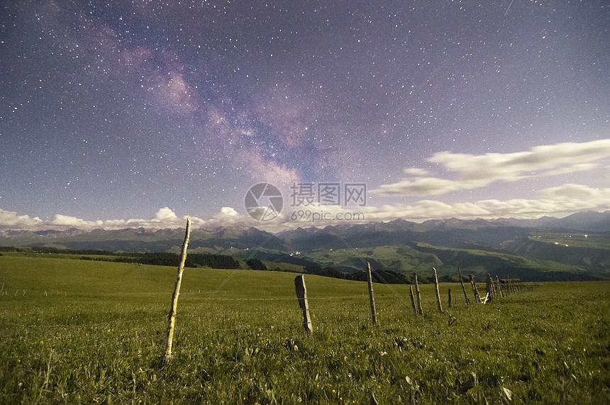 新疆天山牧场星空美景图片