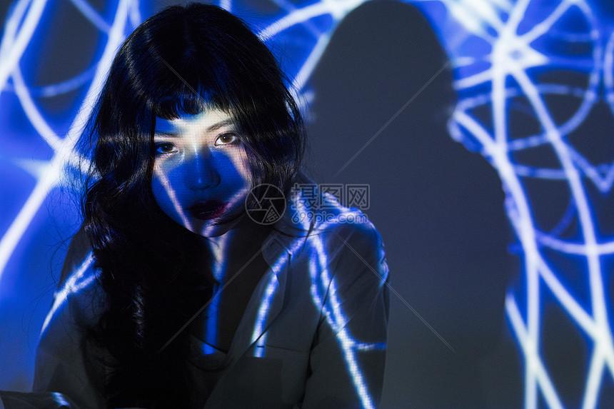 创意投影人像图片