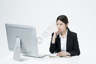 记笔记的职业女性500877772图片