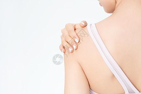 运动健身女性肩膀疼图片